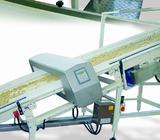Power conveyor for fresh dough